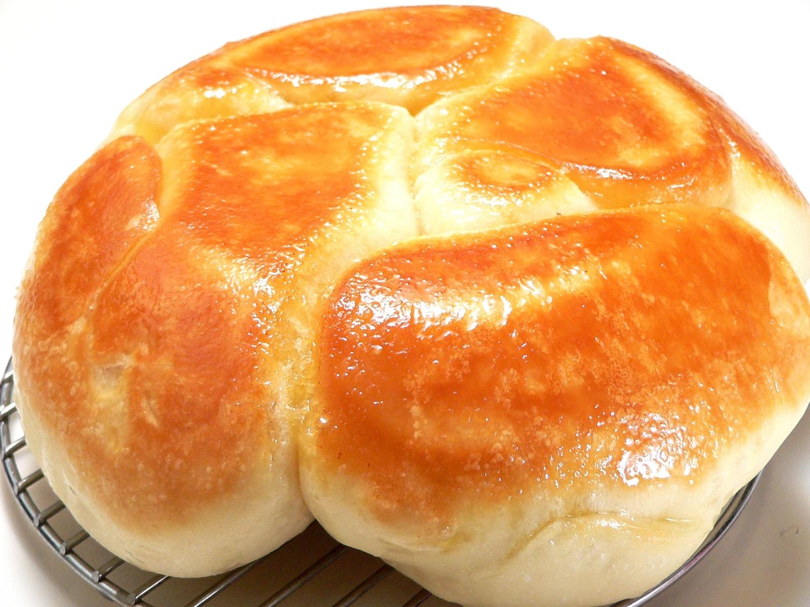 【毎日のお助けレシピ】炊飯器で作る、香ばしくてふわふわの塩パン