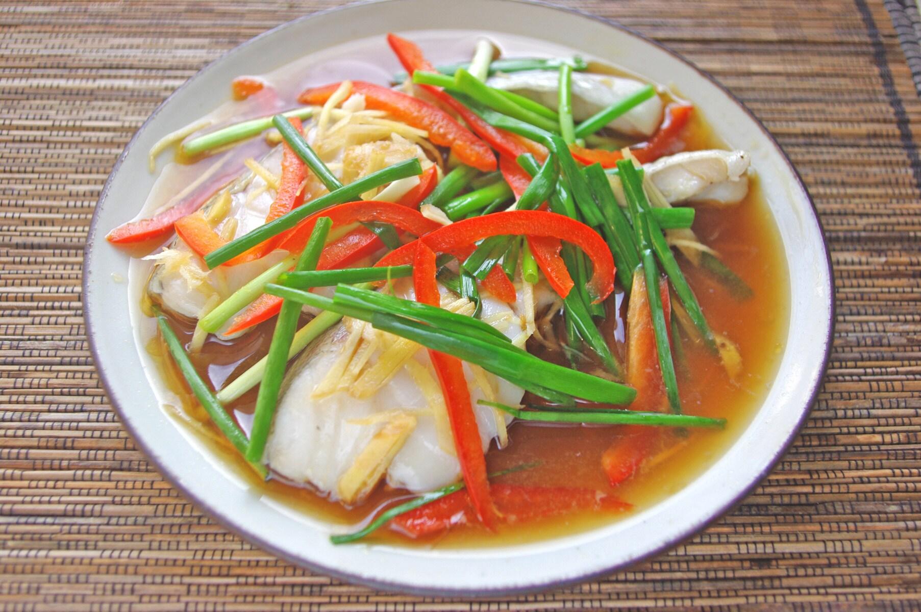 【毎日のタイ料理】電子レンジで4分調理! 白身魚の醤油蒸し