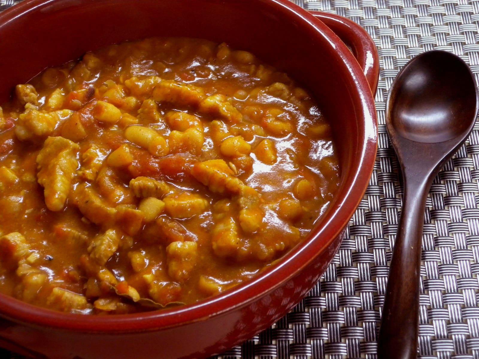 【ホームメイドクッキング】豆の水煮缶がご馳走に!ピリっと辛い豆煮込み