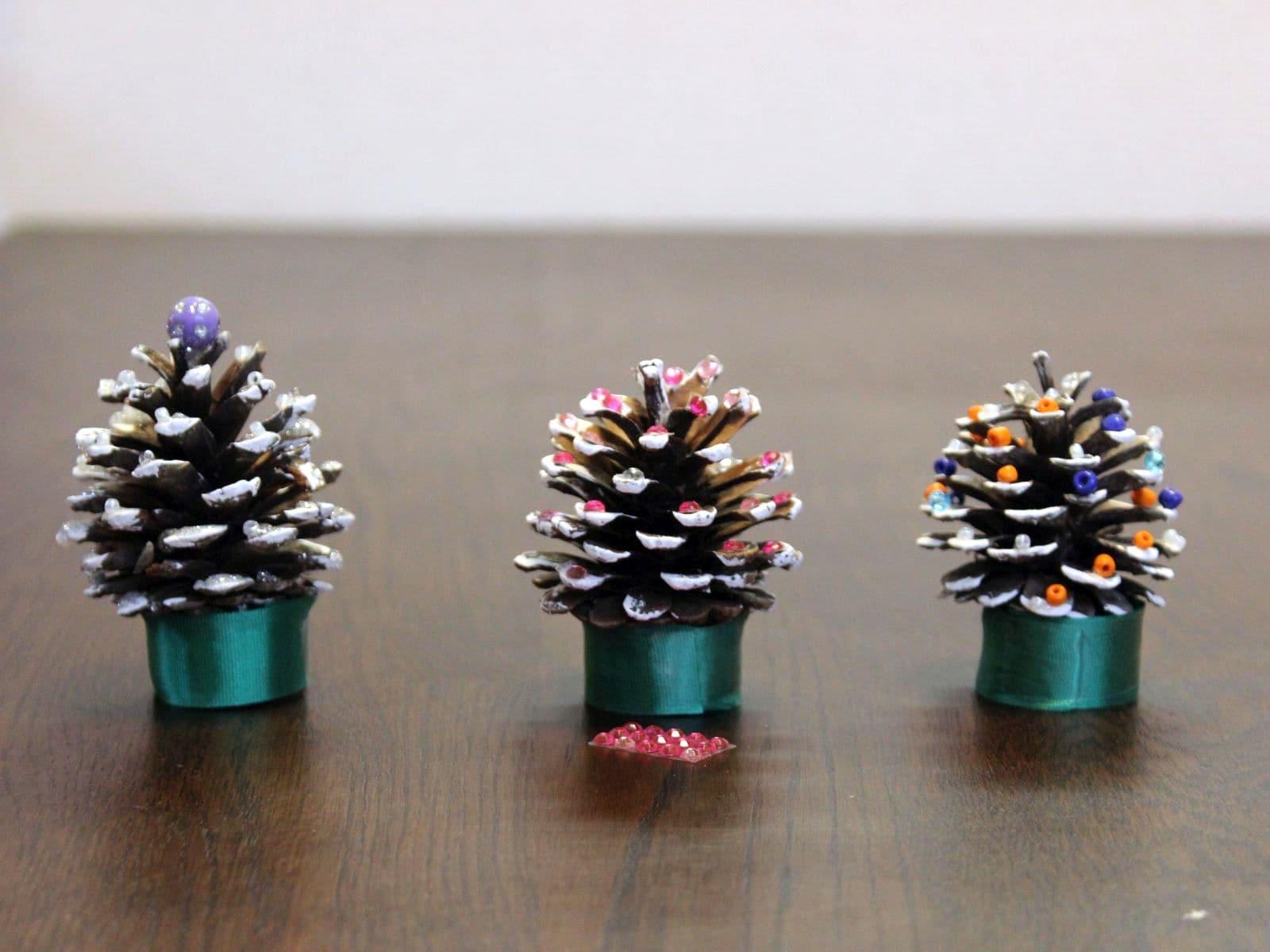 【家事】0円からできる!松ぼっくりの超簡単クリスマス飾り