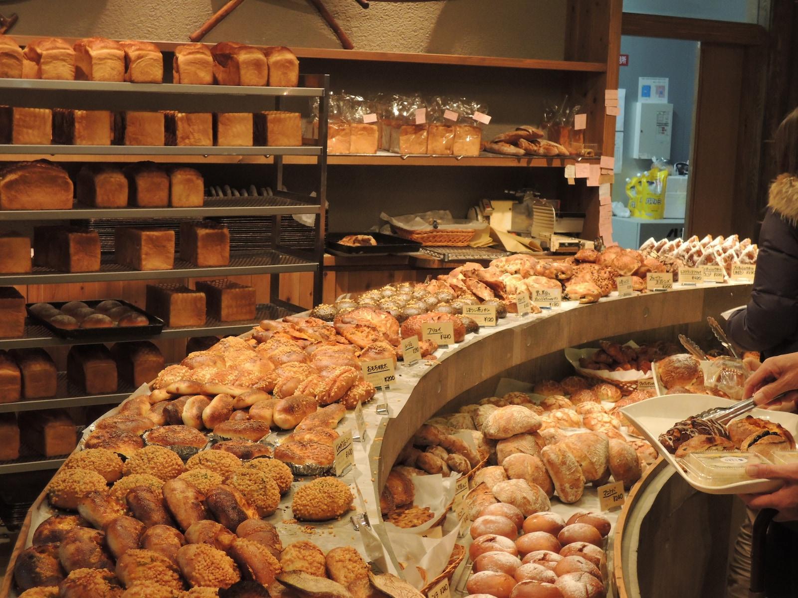 京都・宇治の人気パン店「たま木亭」厨房と売場を一新
