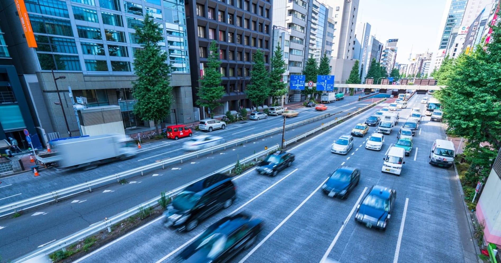 交通事故死者数は減少。実は人口あたりの死者数は東京都がいちばん少ない?