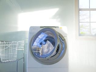 洗濯槽の「黒カビぴろぴろワカメ」の撃退術