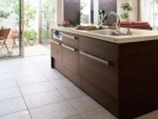 床が柔らかく感じたら替え時サイン。次は掃除のしやすい素材を