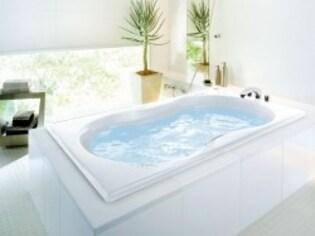 お風呂満足の秘訣は、肌触りのいいバスタブを選ぶこと!