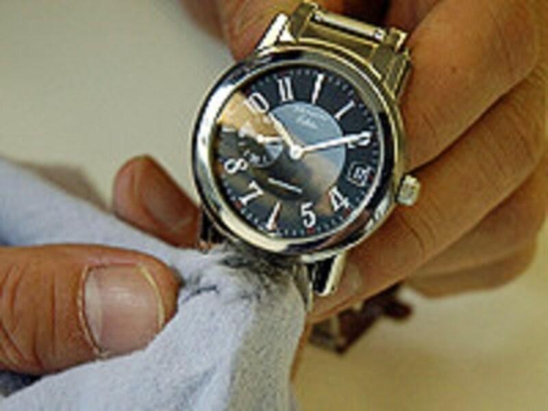ステンレス腕時計の簡単な掃除法と手入れの仕方