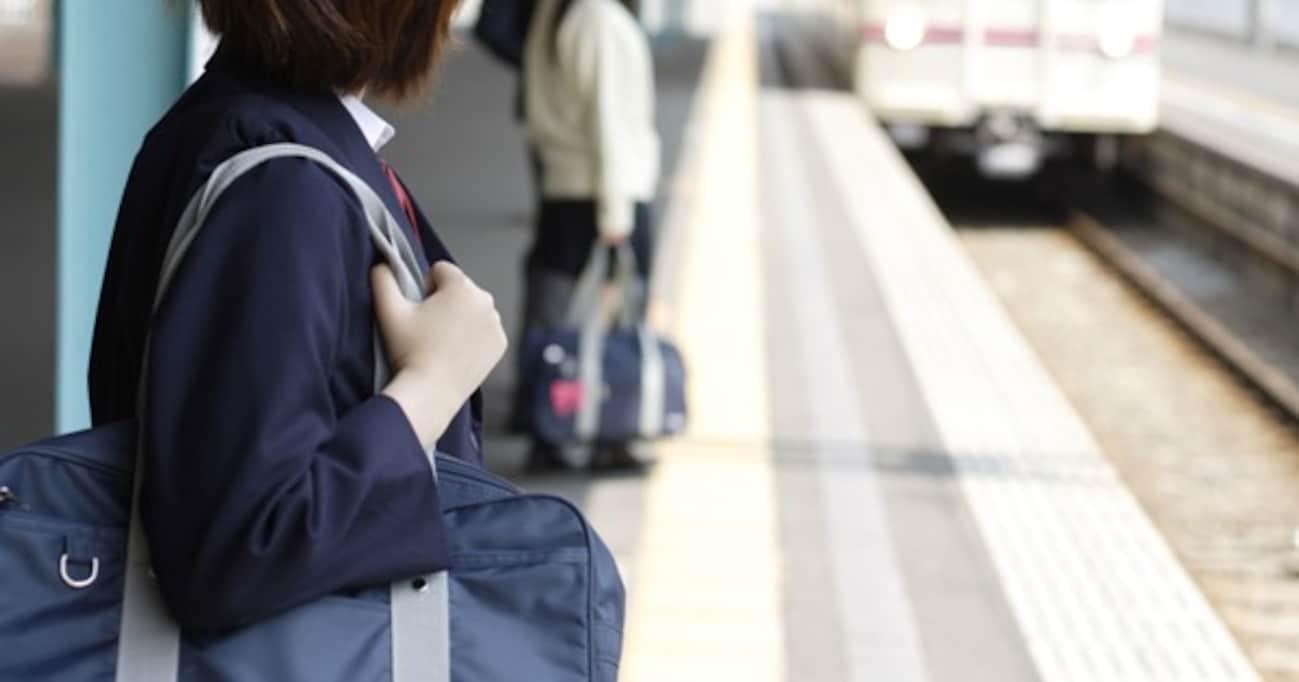手つなぎ自殺した女子中学生が、大人たちに突きつけたメッセージ