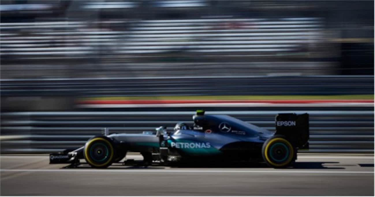 F1マシンのスピードは驚異的。鈴鹿で911カップカーを35秒引き離す!?