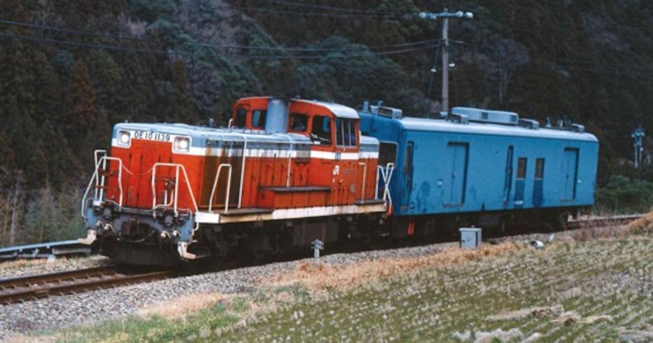 日銀本店からの全国への現金輸送には鉄道が使われていた―秘密に包まれた専用車両「マニ34形」とは?