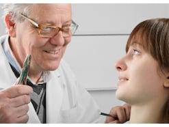 歯周病でも抜歯不要? 歯を温存する意外な方法