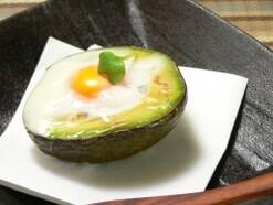 朝食に最適!簡単とろとろアボカドエッグ