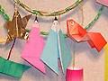 笹がなくても、折り紙で七夕飾り!