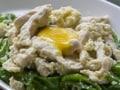 ピーマンと鶏肉の卵白炒め 卵黄のせ