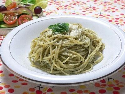 手作りバジルソースのスパゲッティ