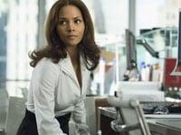 セクシー通勤着はハリウッド女優から盗め!