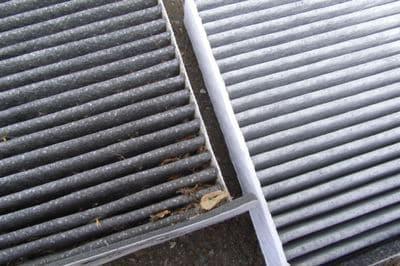 車内が臭ったらエアコンフィルターを即交換