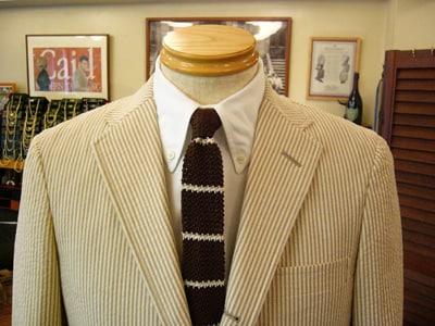 テーラー・ケイドの季節限定ラウンジスーツ