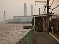 横浜鶴見線、海の終着駅と消えぬ昭和散策