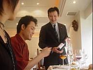 冷汗K君のワイン選びはいかに? 慶応学生のフレンチ初体験!