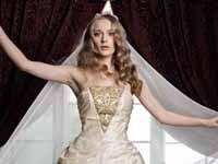 女友達も憧れるシックな花嫁になる!
