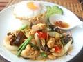【レシピ】タイ風鶏肉のしょうが炒めご飯