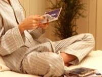 寝室では眠る前に香りをスプレーで広げて休みましょう