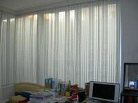 このように窓の面積が大きい場合、全面に設置しないとその効果は感じにくいようです。