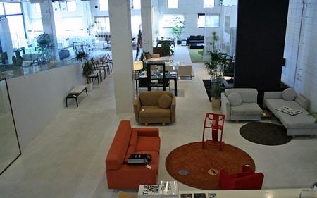 2階から見下ろす店内