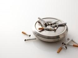 最悪は手足切断…若い喫煙男性を襲うバージャー病とは