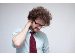 クセになる首の関節ポキポキ、実はコリを悪化させる?