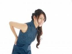 腰をピキッと痛めたときは?間違いがちな腰痛対処法
