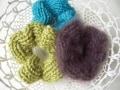 手作り編み機で編み針いらず! 毛糸のシュシュ