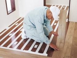 床リフォームが簡単、重ね張り専用フローリング