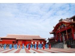 沖縄のお正月:年始年末の楽しみ方