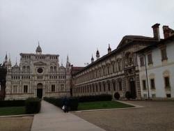 イタリア パヴィア修道院