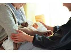 母親も、すくすく育つ世の中に。産後「ドゥーラ」とは