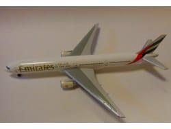 安全な航空会社、時間を守る航空会社