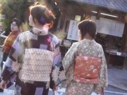 着物レンタルを利用して、着物で京都を散策!