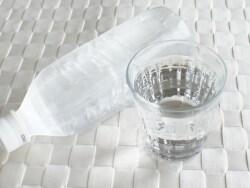 水を飲むと痩せる!? 水飲みダイエットのウソホント