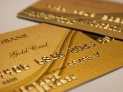 高い年会費を支えるゴールドカードの主要サービスとは
