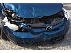 データから見る、交通事故の現状と任意保険の必要性