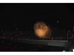 約100年の歴史を持つ伝統の花火大会「足立の花火」
