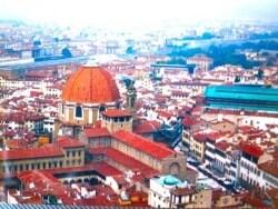 花の大聖堂「ドゥオモ」から見下ろすフィレンツェ