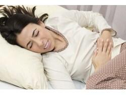 排卵痛ではない!腹部の激痛を伴う卵巣出血の症状