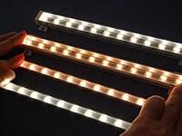 進化しているライン型LED