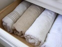 バスタオルは丸めてすっきり収納!