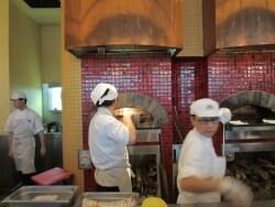 マリーナベイサンズで鉄人シェフの究極の薪釜ピザを