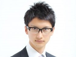 最新のヘアスタイル できるビジネスマン 髪型 : ビジネス対応!好印象メガネ ...