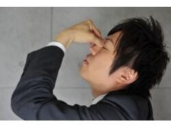 コンタクトレンズ使用のリスク・気になる眼障害