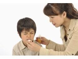 アイスやジュースはNG!薬を嫌がる子供への飲ませ方